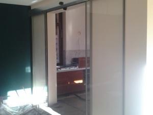 herra-design-resedinta privata 1 usa culisanta sticla securizata-08