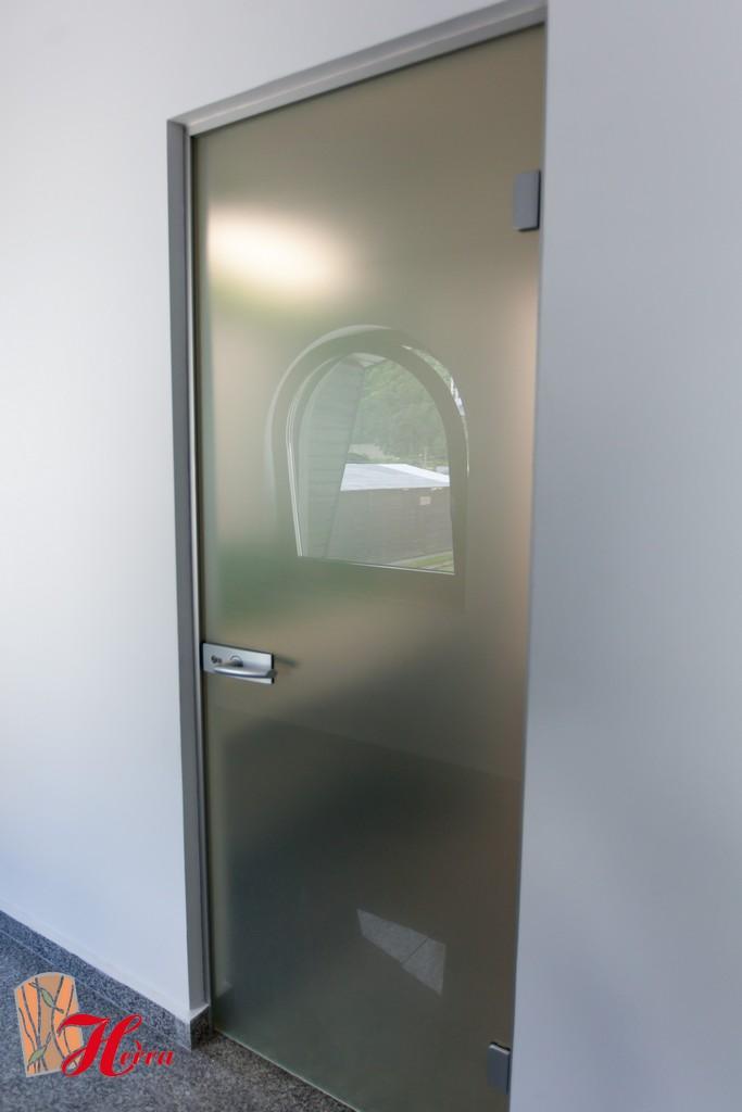 Usă din sticlă securizată 96